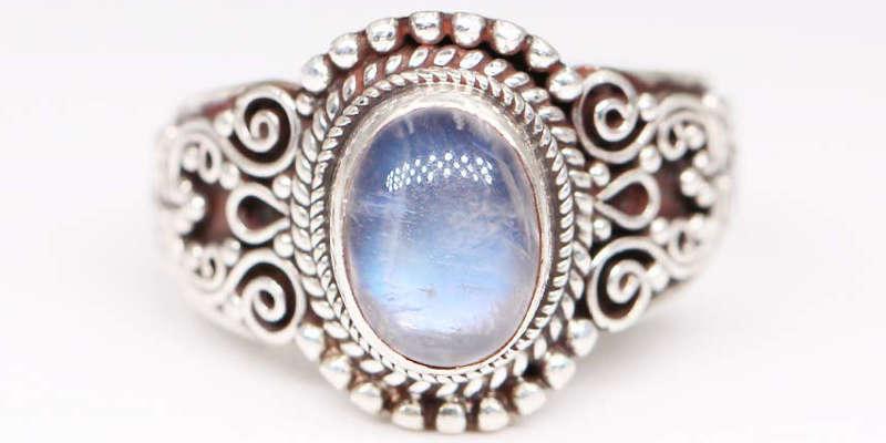 Diseño elegante y original en plata rodiada
